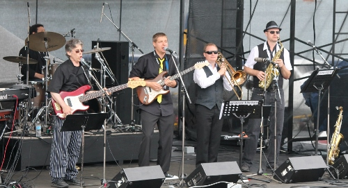 Performing with Groove Kitchen at Victoria's Blue Bash, 2013